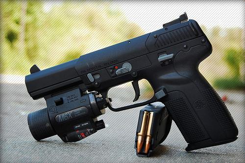 http://soldierweapons.ru/Foto/Five-SeveN/FN0.jpg