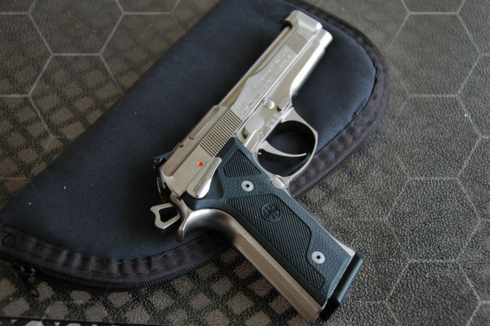 Пистолет Beretta 92